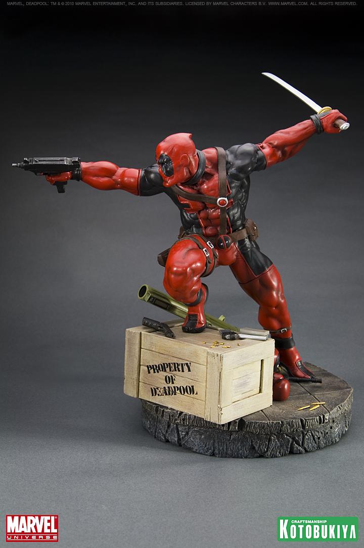 Deadpool 10 inch Statue Kotobukiya