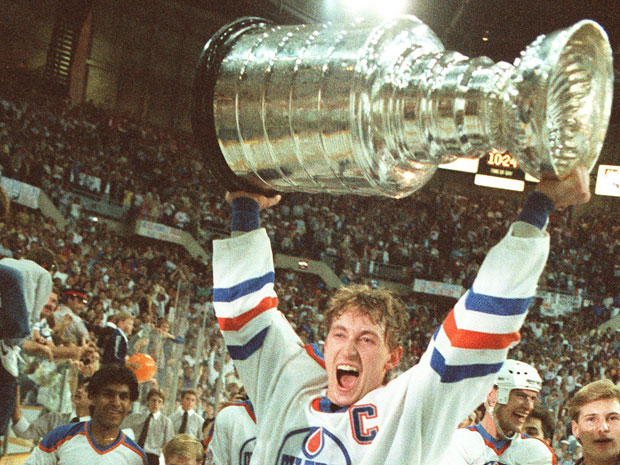 Gretzky with Stanley Cup