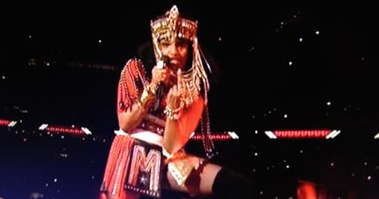 M.I.A. flips middle finger during Super Bowl