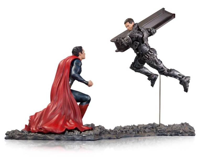 Man of Steel Superman vs Zod Statue