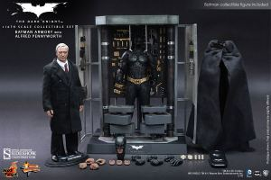 This deluxe, prized collectors' set features two 12-inch figurines and the whole Armory in 1/6 scale detail.